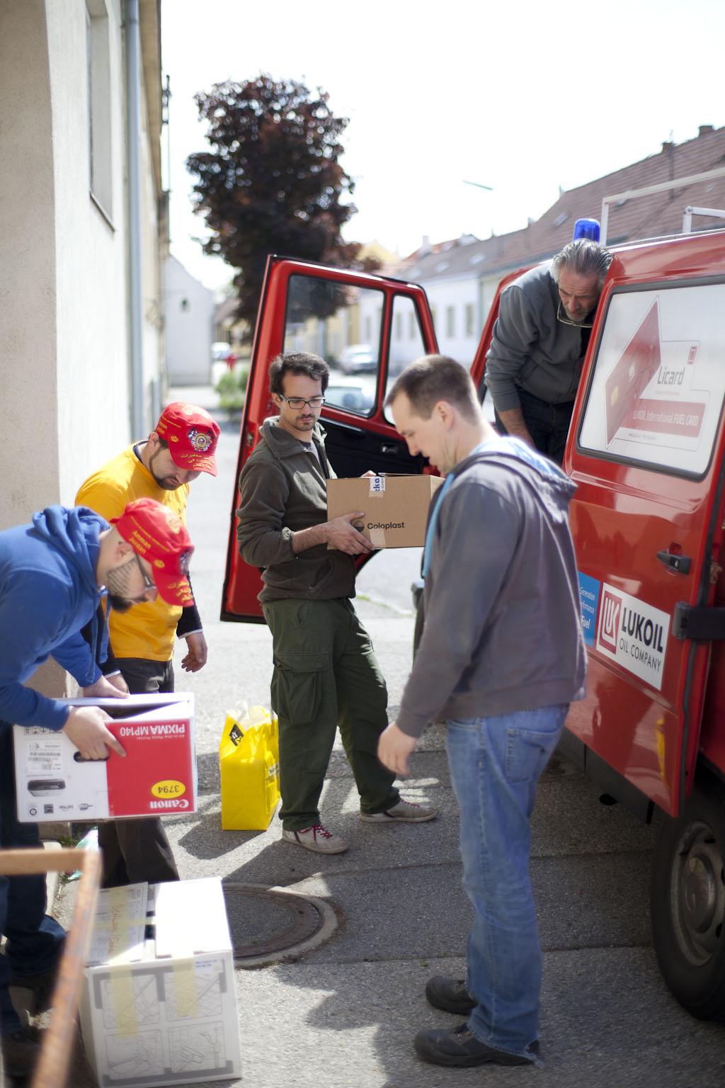 Verladen der Hilfsgüter